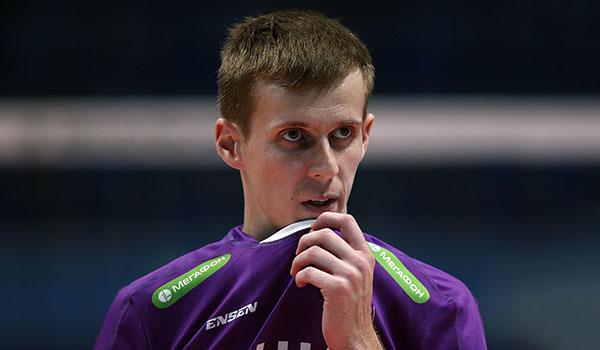 Первое поражение в чемпионате (Фото: Р.Кручинин)