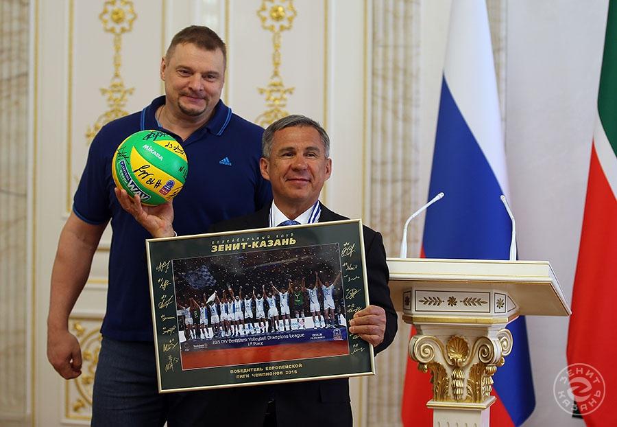 Vladimir Alekno and Rustam Minnikhanov (Author: Roman Kruchinin)<br />Photoalbum: <a href='?id_players=33'>Vladimir Alekno </a>