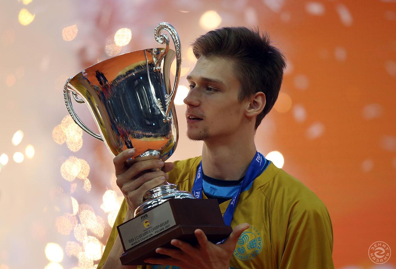 PHOTOGRAPHER. Alexey Likhosherstov 65