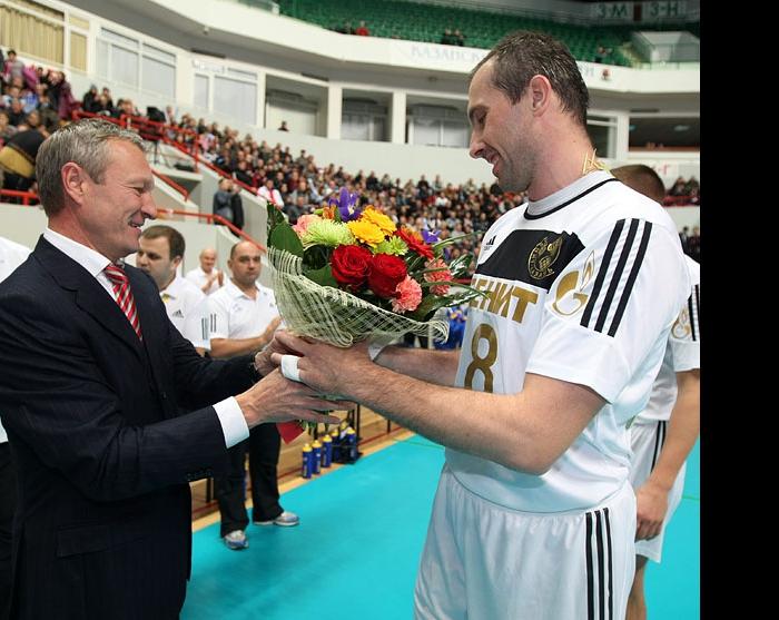 Ильхам Рахматуллин поздравил Сергея Тетюхина с рождением сына