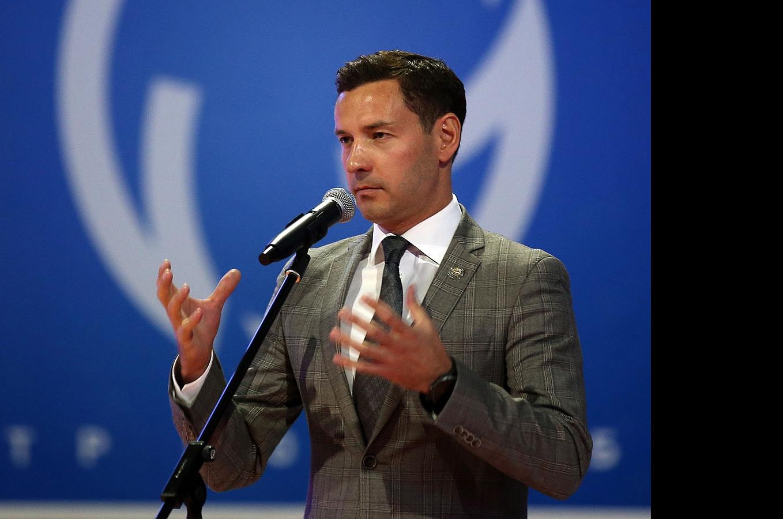 Владимир Леонов