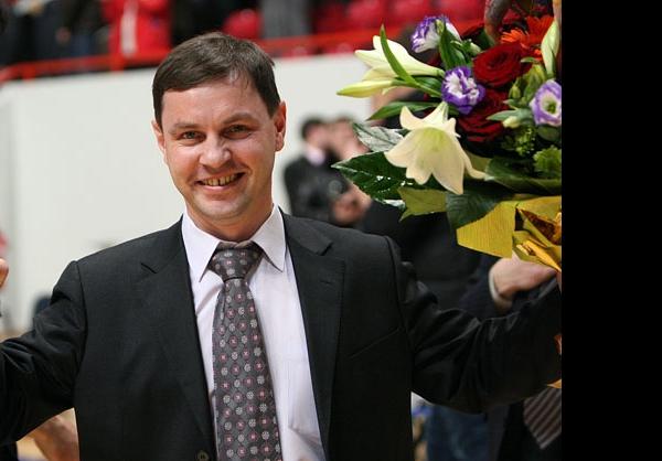 Олега Брызгалова поздравили с Днём рождения!