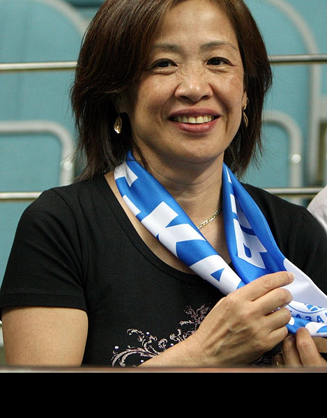 Болельщица Ллоя Болла приехавшая на финальные игры из Японии